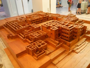 A model of the labyrinthine structure of Knossos. Heraklion Archaeological Museum, 2015.